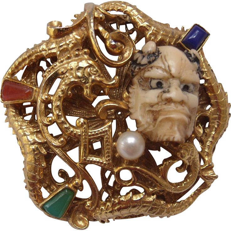 Although unsigned, this is an amazing and rare devilish Noh Mask brooch that Florenza collectors dream about! Often confused with Selro, Florenza also