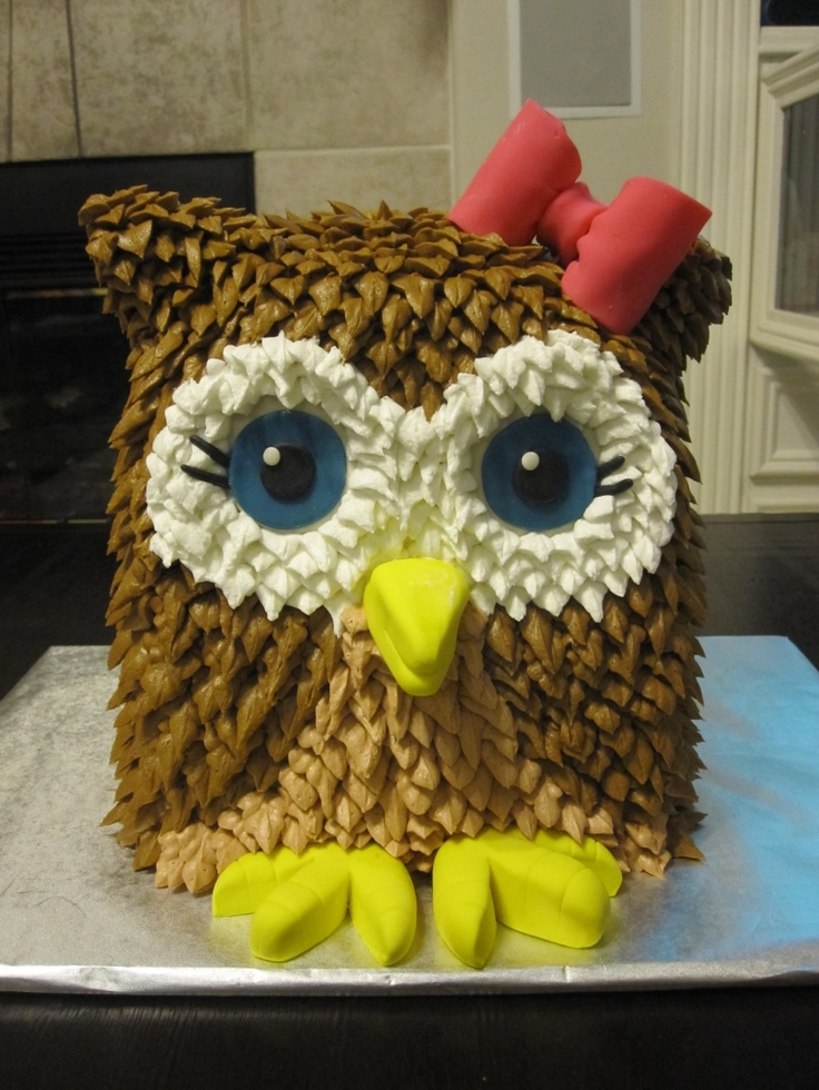 I love anything owl! This is the cutest owl cake!