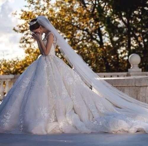 Long wedding veil - My wedding ideas