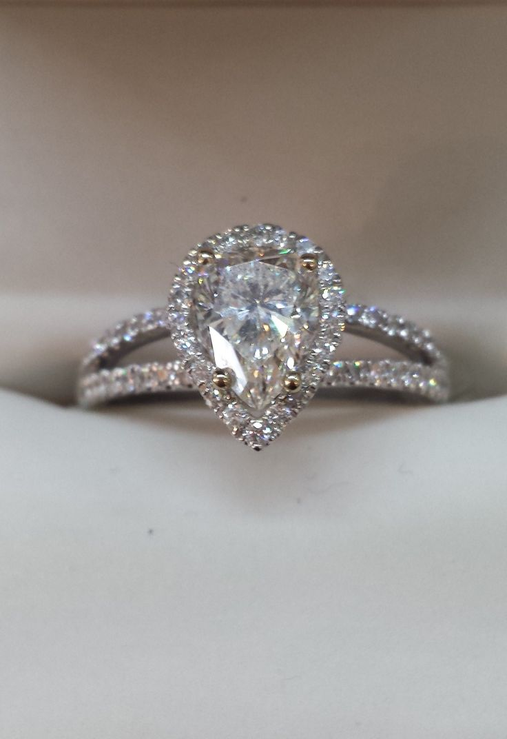 Adore This Sweet Pear Shaped Diamond Engagement Ring!! The Split Diamond  Shoulders Are Gorgeous
