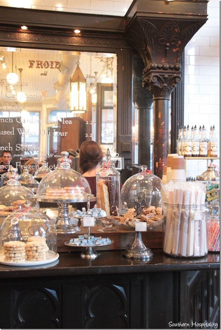 Good article about sightseeing in Savannah. paris market