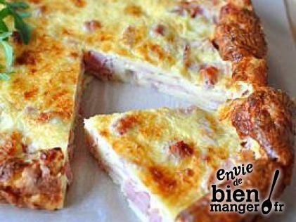 recette de quiche lorraine légère sans pâte, il vous faut : 30 cl de lait écrémé, 3 oeufs, 60 gr de farine, 60 gr de fromage râpé, 200 gr de jambon, sel et poivre (la suite de la recette sur http://www.enviedebienmanger.fr)