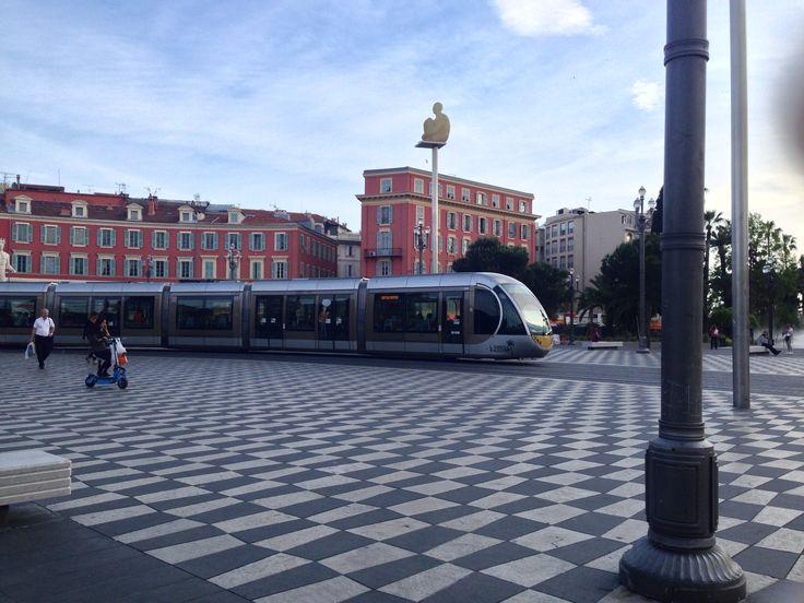 Nice Place Masséna Tramway