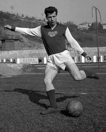 Josef Masopust (who passed away three days ago) during a training session with Dukla Prague in 1961.