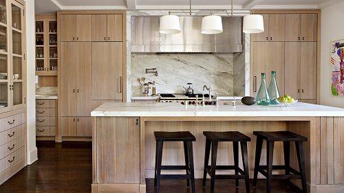 Selección de cocinas con muebles de madera