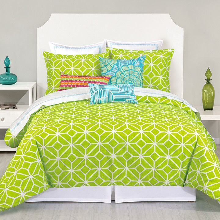 Here are some of my favorite Lime Green Bedroom Ideas. If you want a lime green bedroom, these ideas will help you decide on a bedding set and decor.