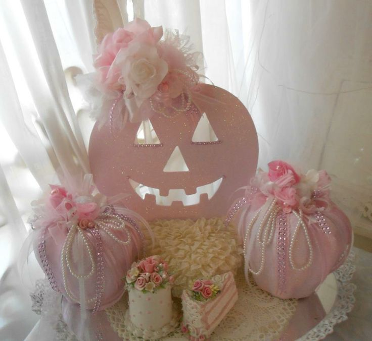 shabby chic Halloween Decorations | ... up some pink pumpkins to go with my frou frou cottage decor