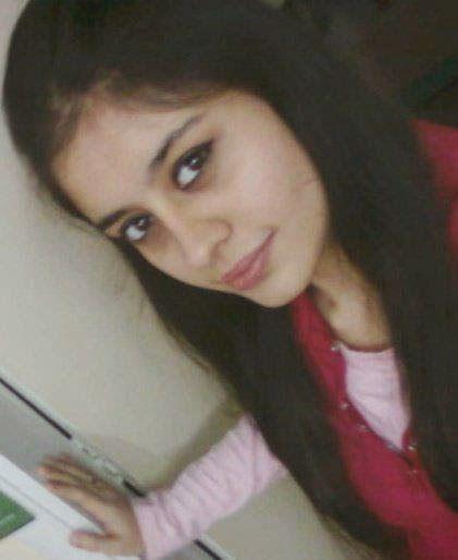 Cute Pakistani Girl Pic  She Side  Pakistani Girls Pic -1041