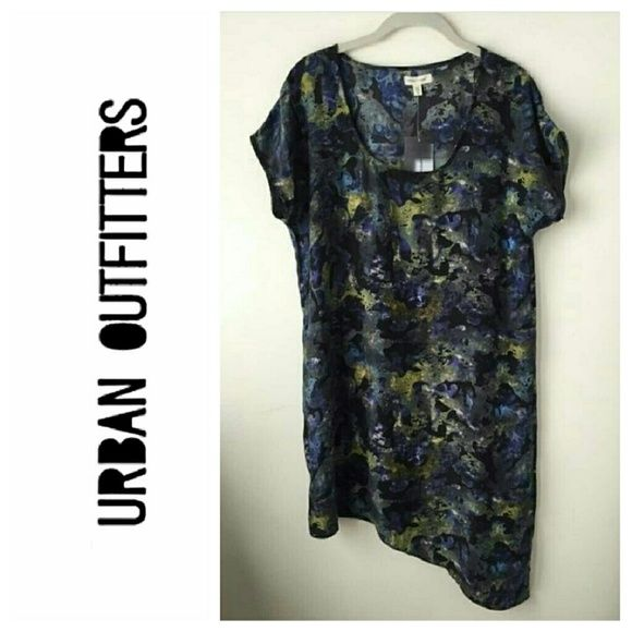 UO Silence + Noise Shift Dress Silence + Noise shift dress from UO  - Pull on style - EUC Urban Outfitters Dresses Asymmetrical