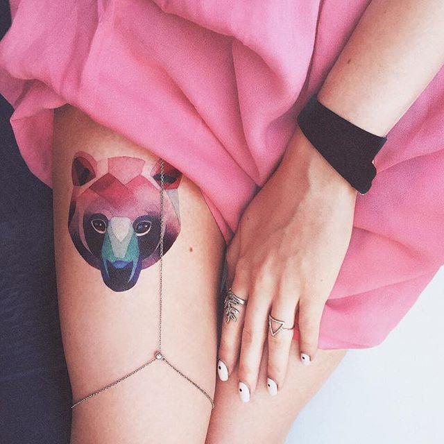 ✨Москва!✨Если вы все ещё не знаете как провести эти выходные 27-29мая, тогда вам точно сюда 👉🏼 @moscowtattooconvention 👈🏼 Здесь вы встретите много потрясающих тату художников со всего мира, ознакомитесь с различными стилями татуировки и точно найдёте мастера для себя! И конечно не забывайте о переводных тату! @sashaunisex_store ждёт вас все три дня!  Даже если у вас пока нет татуировки, #temporarytattoo помогут вам не выглядеть белой вороной на этом празднике жизни 🎈🐦 От настоящих…