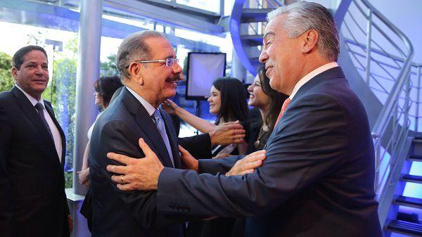 Presidente Medina felicita Grupo SIN por décimo aniversario
