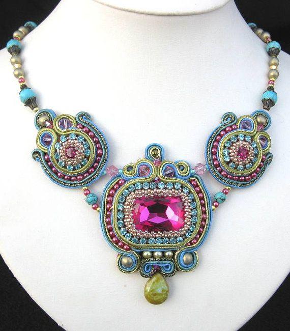 Pembe, Turkuaz ve Yeşil Soutache boncuklu kolye / Pink, Turquoise and Green Soutache beaded necklace