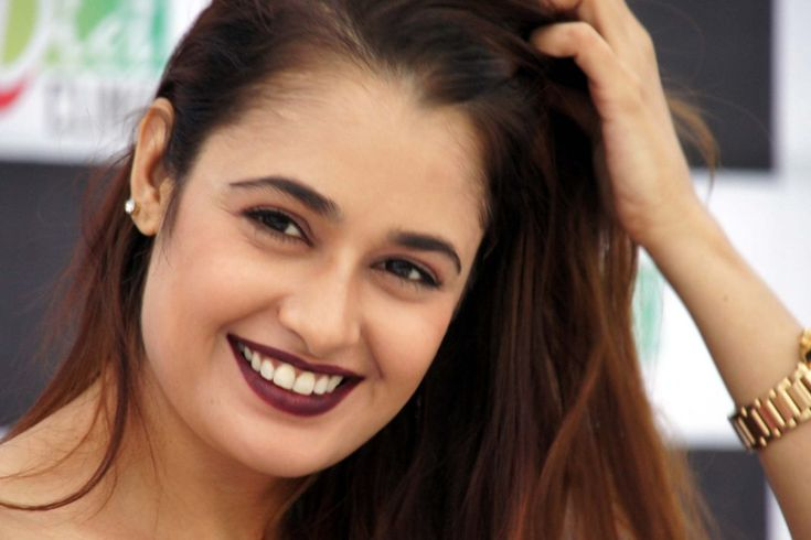 Yuvika Chaudhary launched Diet Dr Clinic- powered by Harpreet Pasricha in Mohali
