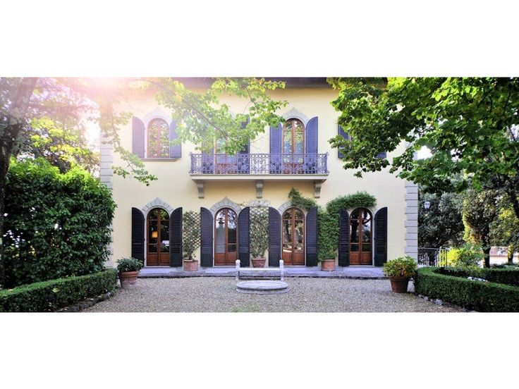 Elegant and beautifully restored historic villa on the outskirts of Florence. Light and airy living spaces spread over three floors with contemporary high quality bathrooms, kitchen, fixtures and fittings.  http://www.retemax.com/villa-impruneta-tuscany-o635956.html