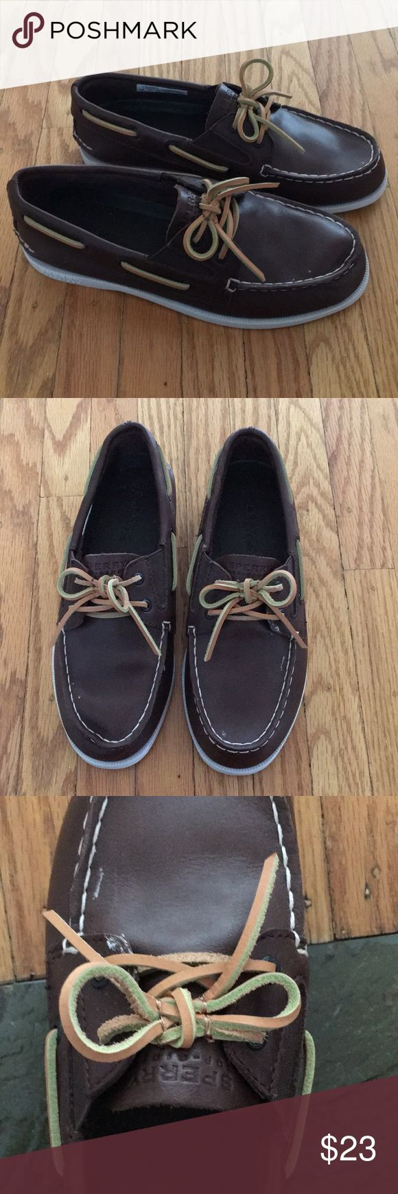 Boys Sperry top sider shoes😍 Excellent condition and only worn a few times. Boys sperry top siders. Slip on shoe no tying required. The laces stay tied (they are sewn on) size 3 boys 😎 Sperry Top-Sider Shoes Dress Shoes