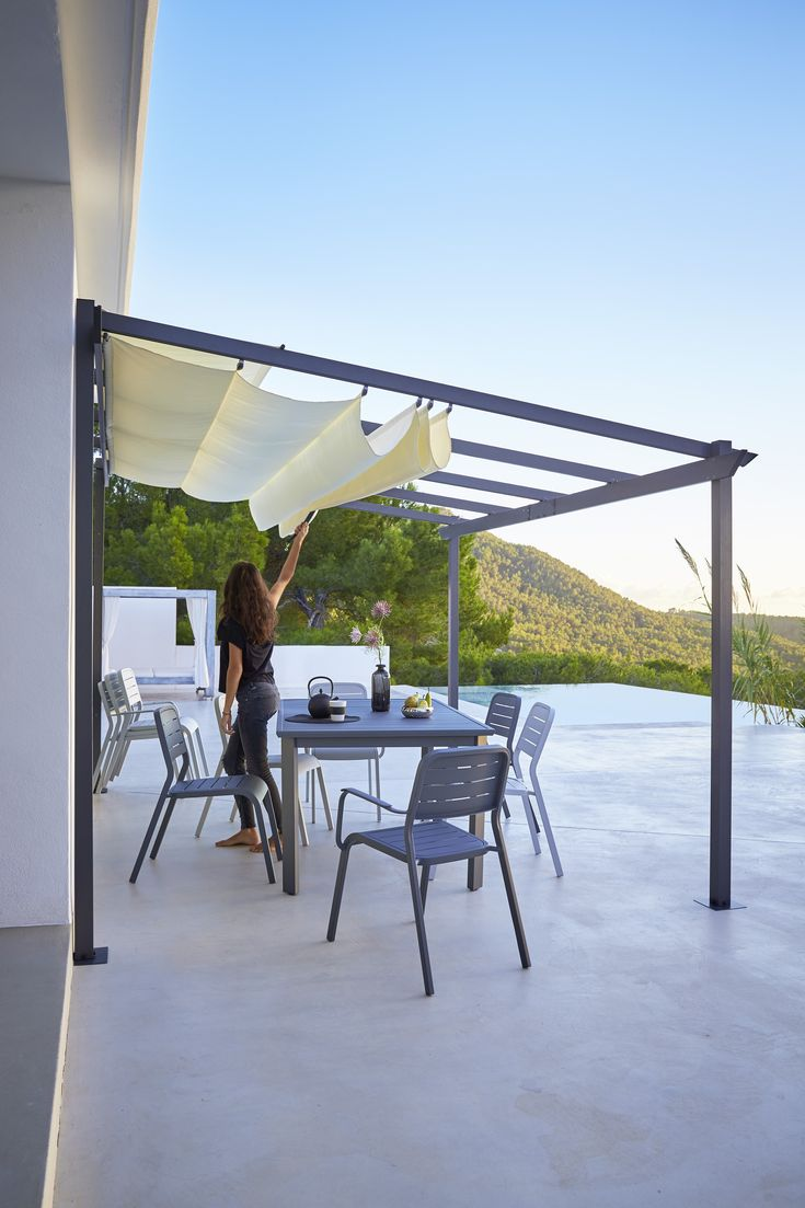 les 25 meilleures id es de la cat gorie pergola aluminium. Black Bedroom Furniture Sets. Home Design Ideas