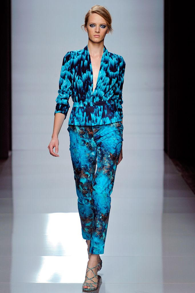 Emanuel Ungaro Spring 2012 Ready-to-Wear - Collection - Gallery - Style.com
