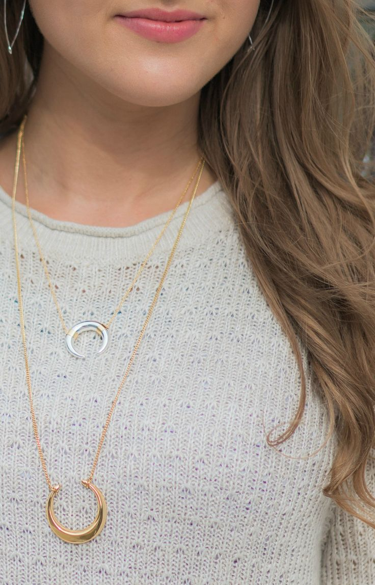 The new fall collection from @stellaanddot is ah-mazing. I'm loving the Double Horn Pendant Necklace and Luna Pendant Necklace! Click through to see a full review + styling of the fall collection from style blogger Ashley Brooke Nicholas #stelladotstyle P.S. Thanks to Stella & Dot for sponsoring today's post!
