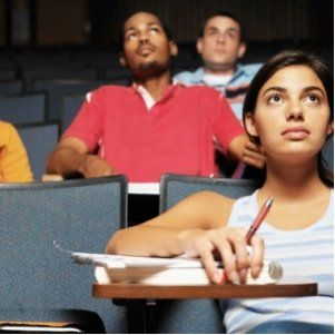 7 things to know before your first college class! Freshman need to take this advice!