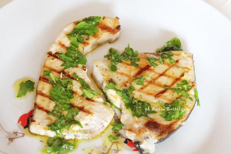 Pesce spada grigliato olio e limone