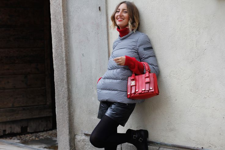 """Three ways to be cool with #Peuterey """"Duane PDP"""" duvet? Learn more with the beautiful IT Girl #ElenaBraghieri style tips"""