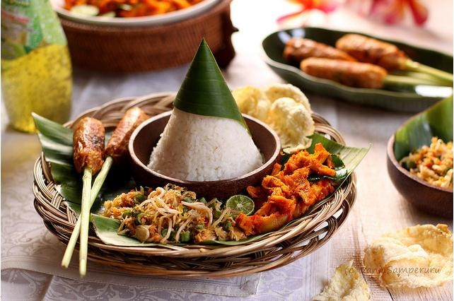 Balinesse Rice | http://v-recipes.blogspot.com/2012/10/bali-highland-recipe-balinese-mix-rice.html