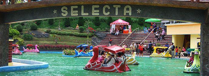 Alamat dan Harga Tiket Masuk Taman Rekreasi Selecta Batu, Destinasi Wisata Keluarga Yang Menarik di Malang - http://www.dakatour.com/alamat-dan-harga-tiket-masuk-taman-rekreasi-selecta-batu-destinasi-wisata-keluarga-yang-menarik-di-malang.html