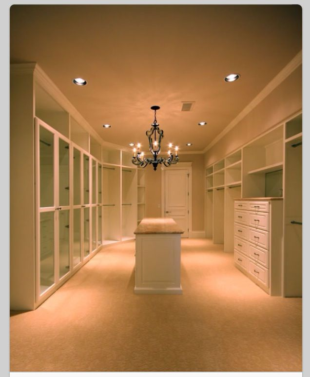 Love this walk in wardrobe amazing