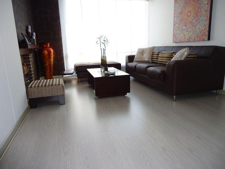 decoracin suelo laminado gris  Buscar con Google  DECORACIN  Pinterest  Salons