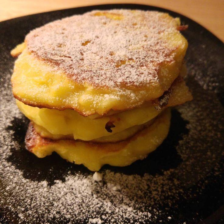 Bezglutenowe racuchy - u mojego męża w rodzinie robi się je tradycyjnie na Wigilię. Dlatego ja dzisiaj testuję wersję bez glutenu ❤️ #bezglutenu #glutenfree #pancakes #placuszki #racuchy #czystamicha #zdrowojem #zdrowadieta #homemade #swieta #idąświęta #christmasfood #naswieta #christmascoming