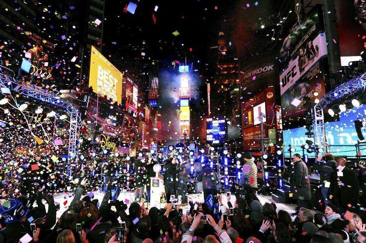 Durante estos próximos días vamos a ver algunas imágenes del Año Nuevo en el mundo para disfrutar y cargar las pilas de cara a todos los viajes que nos esperan este año, de momento, y para celebrar este 1 de Enero un pequeño muestrario de lugares en los que pasar esta fecha es un auténtico espectáculo...