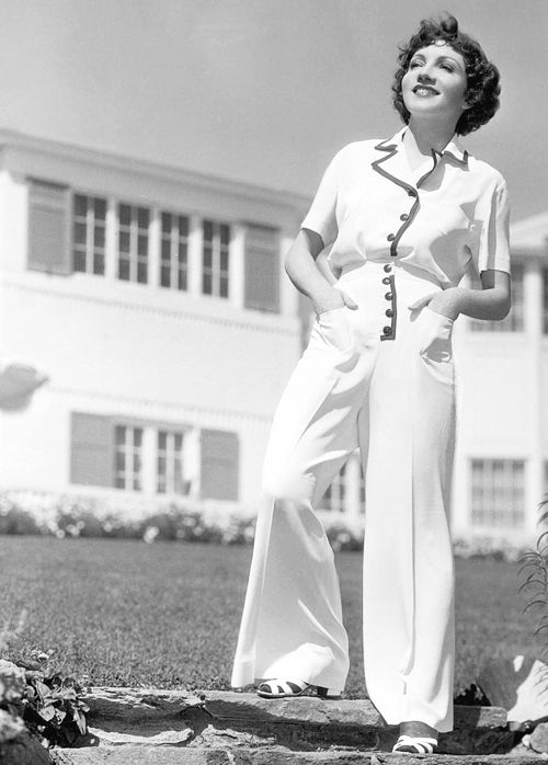 11e40c77eca99 Claudette Colbert at home, 1936 | Vintage Movie Stars in 2019 | Claudette  colbert, Classic hollywood, Vintage hollywood