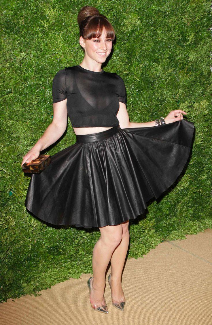 Karine Vanasse CFDA Vogue Awards For more visit: www.charmingdamsels.tk