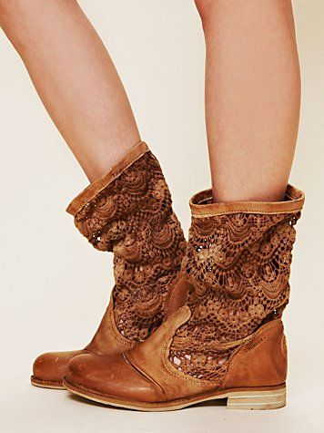 yee haw bitches :): Shoes, Fashion, People Crochet, Style, Freepeople, Bunker Boot, Crochet Bunker, Free People, Crochet Boots