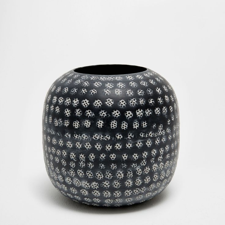 BLACK STAMPED METAL VASE - NEW ARRIVALS | Zara Home United States of America