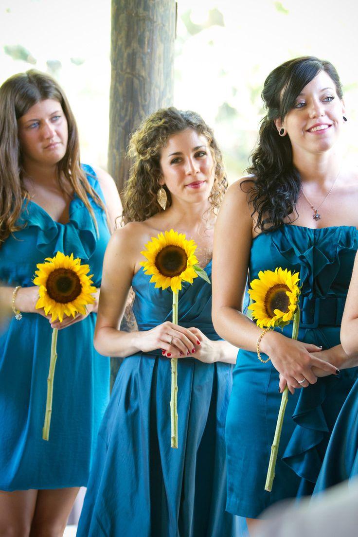 Sunflower bridesmaids - Joshua Kane Photography