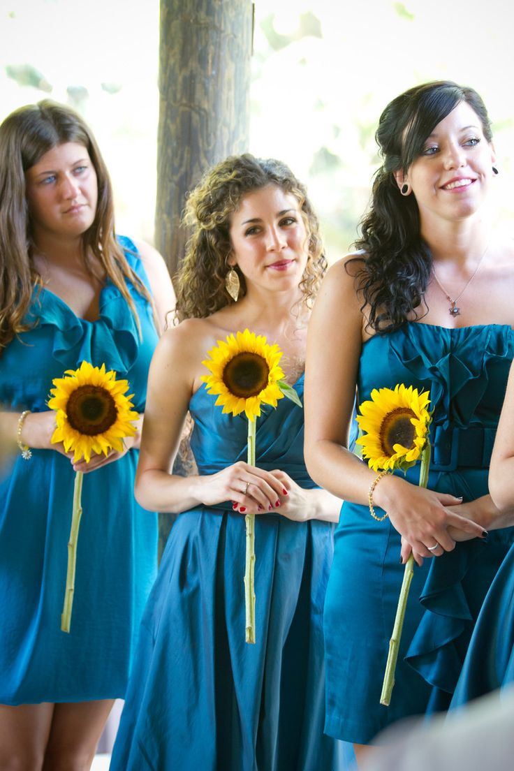 Sunflower bridesmaids - Joshua Kane Photography