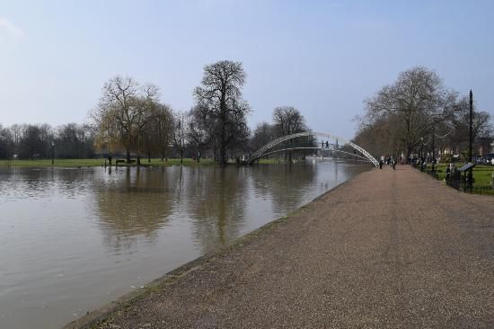 Take a nice stroll along the embankment in Bedford.