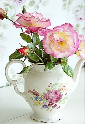 .I'm a little teapot filled with roses, they make me look charming