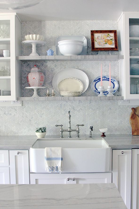 How to style those pesky kitchen shelves! A no-fail, step-by-step guide!!