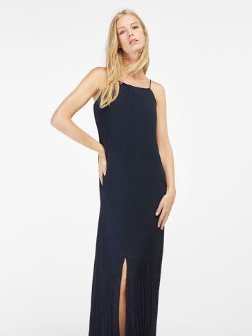 Damenkleider & -röcke bei Massimo Dutti. Finden Sie im Winterschlussverkauf Strick-, Spitzen- & Maxikleider sowie Jeans- & Maxiröcke. Natürliche Eleganz