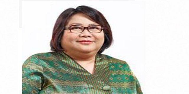 Inilah Sosok Yeni Andayani, Pelaksana Tugas (Plt) Dirut PT Pertamina - IndoPress, Jakarta – Pasca pencopotan Dwi Soetjipto dan Ahmad Bambang sebagai Direktur Utama dan Wakil Direktur Utama Pertamina, Menteri Badan Usaha Milik Negara Rini Soemarno menunjuk Yeni Andayani sebagai Plt. Dirut Pertamina. Menurut situs resmi Pertamina, perempuan kelahiran 24 Maret 1965 ini sebelumnya menjabat sebagai Direktur Energi Baru dan Terbarukan Pertamina sejak 28 November 2014