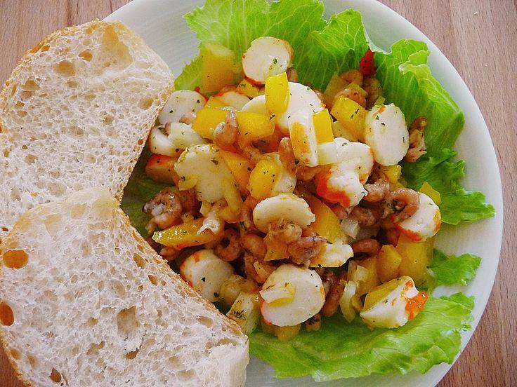 Surimi Salat mit Paprika und Krabben, ein gutes Rezept aus der Kategorie Krustentier & Fisch. Bewertungen: 7. Durchschnitt: Ø 3,6.