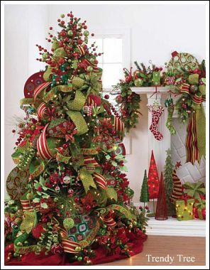 I really enjoy seeing lime green in Christmas tree ideas, instead of the traditional forest green. It really makes for a playful and jolly tree!