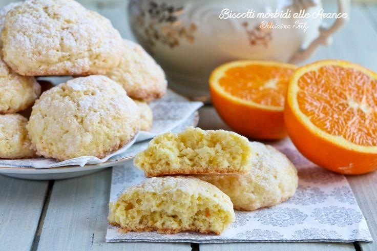 Ecco i Biscotti morbidi all'arancia da mangiare accompagnandoli ad un buon tè. Sono facilissimi da preparare e molto morbidi e golosi.