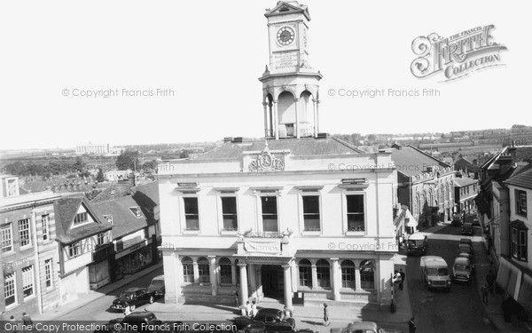 Basingstoke, Town Hall c.1960, More at. https://uk.pinterest.com/garylaundy/basingstoke-of-olde/
