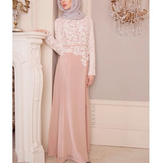 Dusty Pink Crochet Dress + Light Grey Soft Georgette Hijab | INAYAH www.inayahcollection.com #inayah#modestfashion