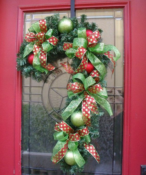 Candy Cane for the front door. -- inspiration: Christmas Wreaths, Canes Wreaths, Diy Crafts, Christmas Candy, Front Doors, Candy Canes, Wreaths Ideas, Christmas Decor, Christmas Door