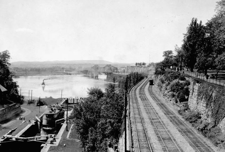 View of Rideau Canal and Hull Electric Railway tracks from Chateau Laurier Hotel, looking north, Ottawa, Ontario, 1920s  Source: http://collectionscanada.gc.ca/pam_archives/index.php?fuseaction=genitem.displayItem&lang=eng&rec_nbr=3358821&rec_nbr_list=3394097,3367909,4314047,4301737,3383895,3400444,3318829,3319116,3358739,3358816,39222