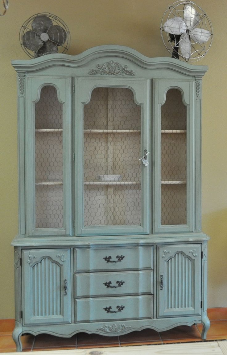Painted French China Cabinet - what a gorgeous piece of furniture ...
